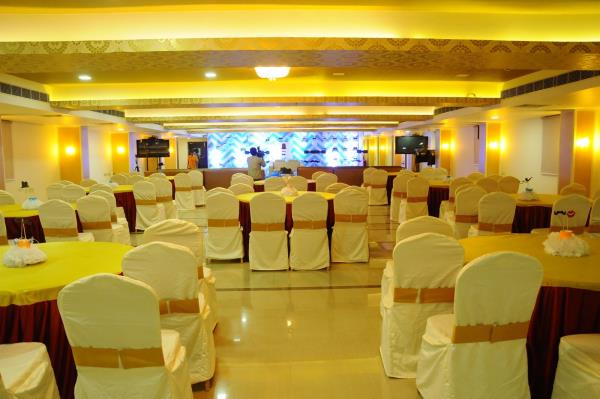Nova Pride Banquets  A/C Have a wonderful parties and Functions along with music at nova Banquet Timing : 24/7  - by Nova Pride Hotel, Hyderabad
