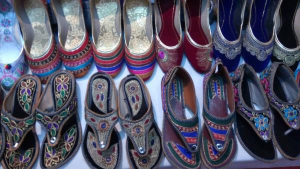 Ladies Chappals and Sandals available With us - by Jiya Enterprise, Alta