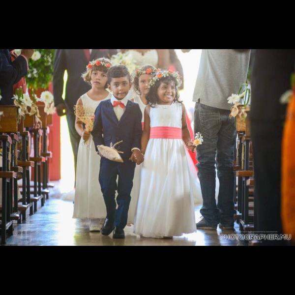 Mauritius wedding photography - by Mauritius Wedding Production: Photo & Video by Diksh Potter, Rivière des Anguilles