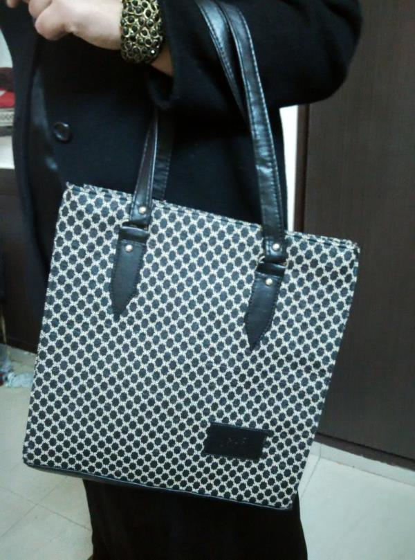 Synthetic leather bag Good quality  Rs.500 only - by Enamor Creation, Delhi
