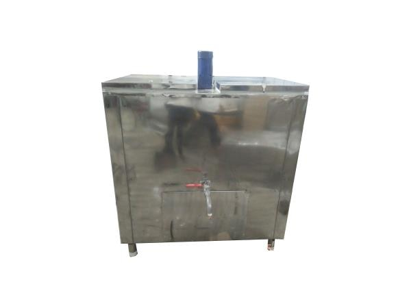 Milk packets and loose milk storage coolers available in Blue star and Freeze Tech. available from 65litres to 600litres with total stainless steel fabrication with single and double door provision with motor and without. We manufacture according to requirement and as per required specification.