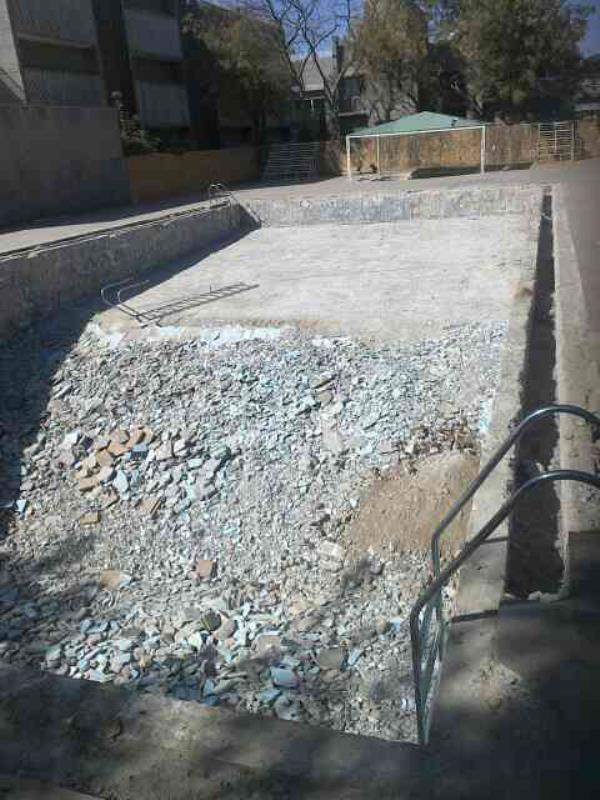 swimming pool live construction  - by SWI POOLS INDIA, Ahmedabad