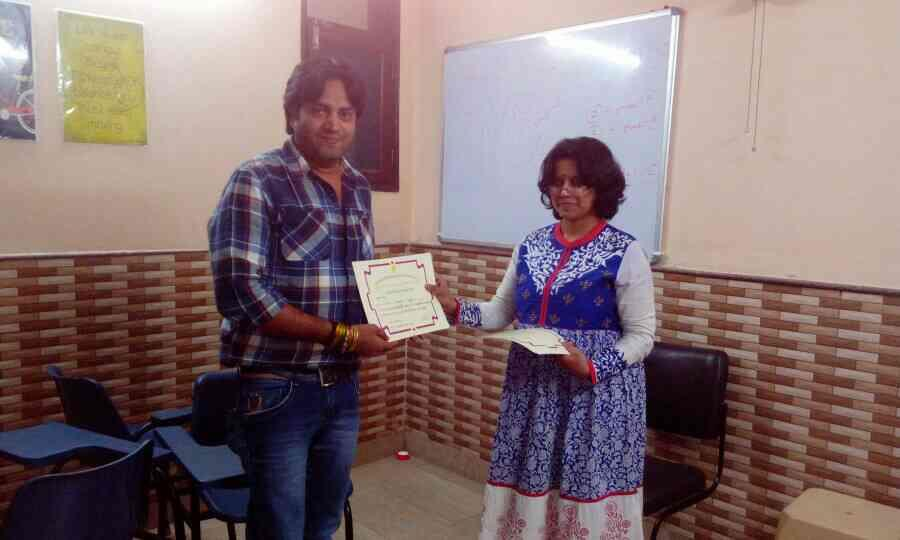 Whole team of shantiratn foundation certified as professional therapeutic counselor for deaddiction