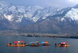 Visit Dal lake in Jammu  - by Holiday Inn Tour & Travels, Jammu