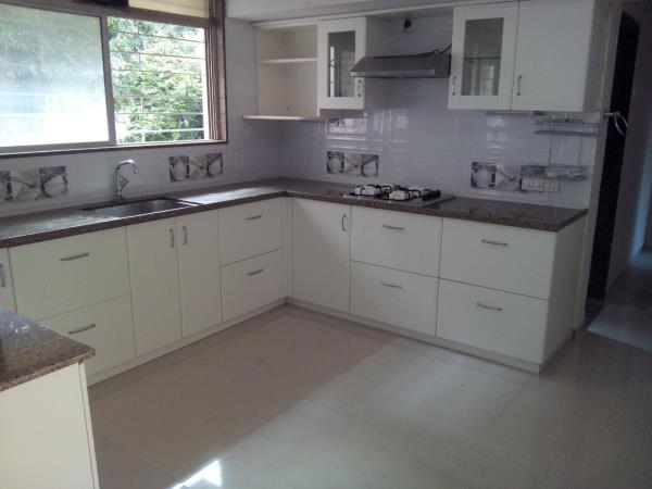 Full Kitchen with Cimaney - by STEEL LIFE KITCHENS & MODULAR FURNITURE, Pune
