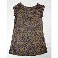 Girls Long Tops in Chandigarh  We put forward an exclusive range Girls Long Tops that are specially designed and developed as per the latest trends. We manufacture these Girls Long Tops with optimum grade fabrics and advance production tech - by sanskriti fancy dresses, Chandigarh