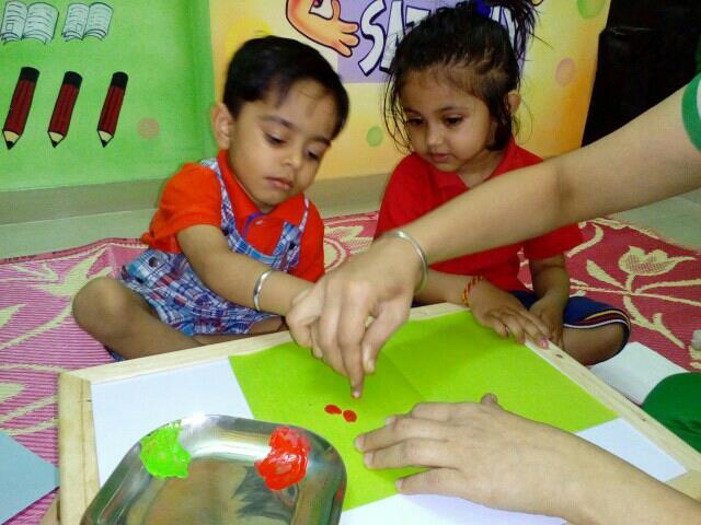 where fun 6 Lear go hand-in-hana in friendly atmosphere - by Sunflower Kinder Garden, Navi Mumbai