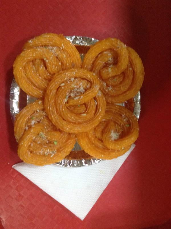 Panner Jalebi is an variety of jalebi.It is made up of panner and ghee.Has a mouth melting taste available at Kesariyas