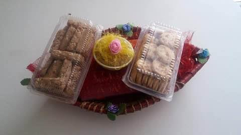 Gift hampers is a combo of sweets, biscuits, savouries ....Available at Kesariyas