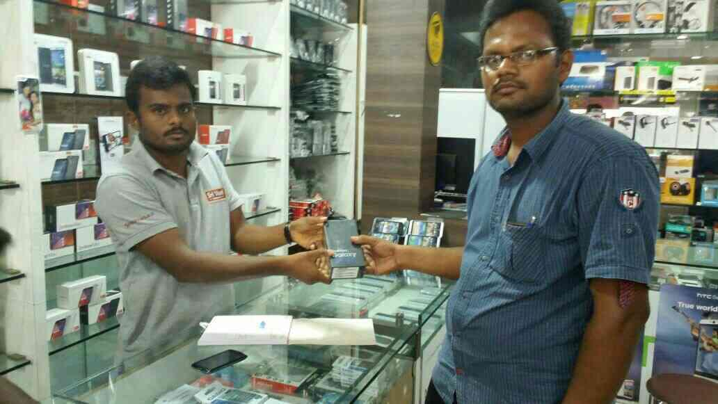 Our first Elite Customer of Samsung Galaxy S7edge at our store