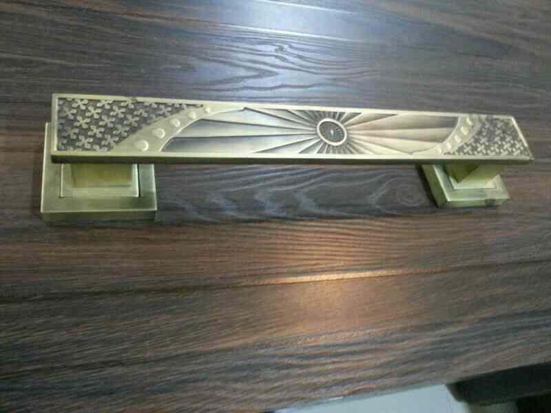 We are leading manufacturer and supplier of door handle in rajkot , Gujarat , India  - by Jeenam Hardware, Rajkot