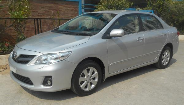 Toyota Corolla Altis D4D-G, 2012, well maintained the massive design better than the Old Corolla, 14, 650 Kms, Single Owner, Silver Metallic for more details and Test drive call us  - by Honda Auto Terrace, Hyderabad