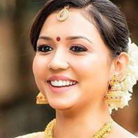 Hire #Bridal Makeup #Artist in #Chennai to look stunning on your Wedding Day.