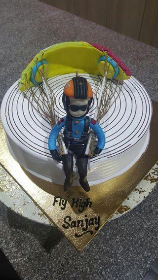 one of a kind Paragliding Theme Cake to bring in mr.rao's Birthday - an avid Flyer and Adventure Enthusiast! for some of the Best Customised Cakes Order, call 8888884747. and for more details, http://www.nimscakencraft.com/ - by Nim's Cake & Craft, Pune