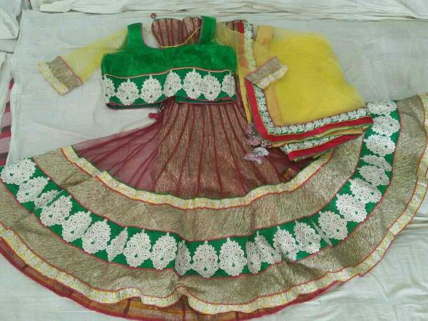 Verity Chaniya choli in Vadodara at very surprising rates. Dabhi brothers & co. - by Dabhi Brothers & Co., Vadodara