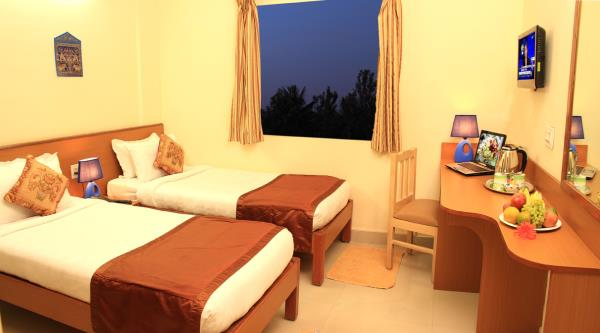 Hotels near Bangalore international airport devanahalli 14 luxury rooms close to Bangalore international airport devanahalli, Very neat rooms, with basic ammenites tea coffee maker , Safe lockers.  www.arrasuites.com