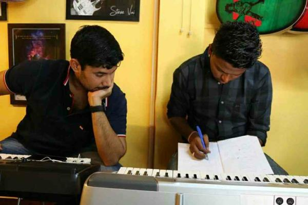 Keyboard Classes In Santa Cruz - by INSTITUTE OF MUSIC DISCIPLINE, Mumbai