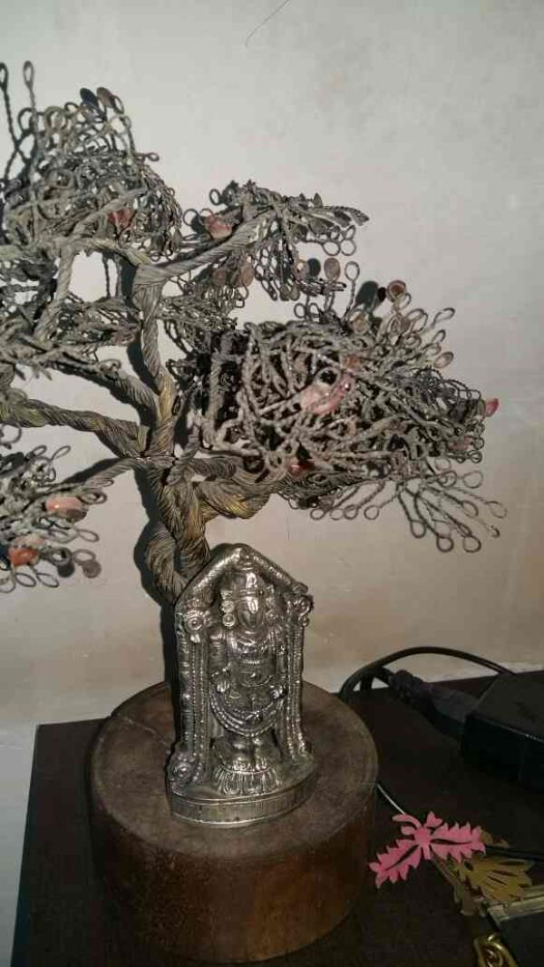 wooden handicrafts in india         we are dealing into wooden handicrafts since last 20 years...we dealing in all type of handicrafts - by Paras Prints, Jaipur