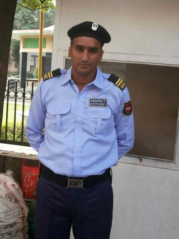 security guard  - by Security Agency in Noida @ 8010026992, Delhi