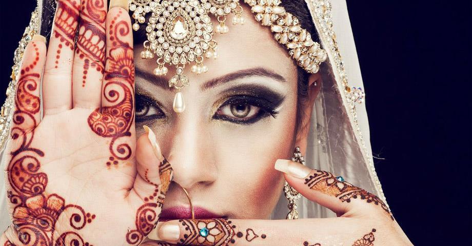 Best Bridal Mehndi Artist in Delhi, Best Bridal Mehndi Artist in Gurgaon, Best Bridal Mehndi Artist in Noida, Best Bridal Mehndi Artist in South Delhi  https://www.weddingeye.in/Best-Bridal-Mehndi-Artist-in-Delhi.html
