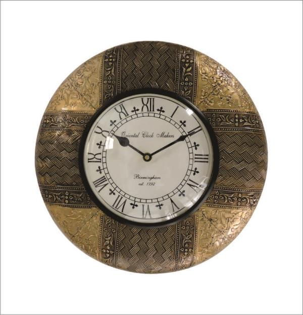 UNIQUE METAL FITTED WALL CLOCKS are an Perfect item for the Home decor made by the hands of the experts Craftsman of Jaipur with the Best Quality. Unique Metal Fitted Wall Clocks are made of wood fitted with the Design of metal on wood which gives the Unique look of clocks for the Decoration as well as for the Gift Purposes. We