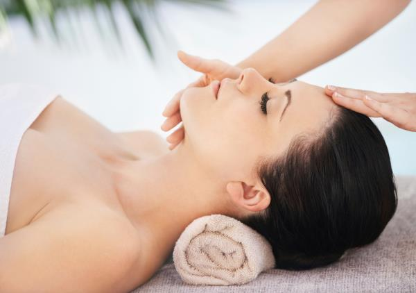 Full Body Oil Massage in Madipakkam  Full Body Oil Massage in Velachery   Best Offer for You Only Rs.699/-