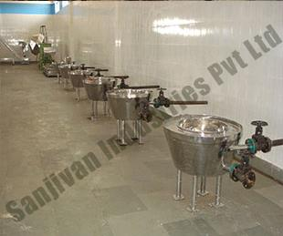 Manufacturere Of Namkeen Bhujia Plant In Vasai  We are a fast growing manufacturer and supplier of namkeen bhujia plant or kadai. These namkeen bhujia plant are made from superior grade of components with latest technology. Our range of mac - by Sanjivan Industries pvt ltd, Mumbai