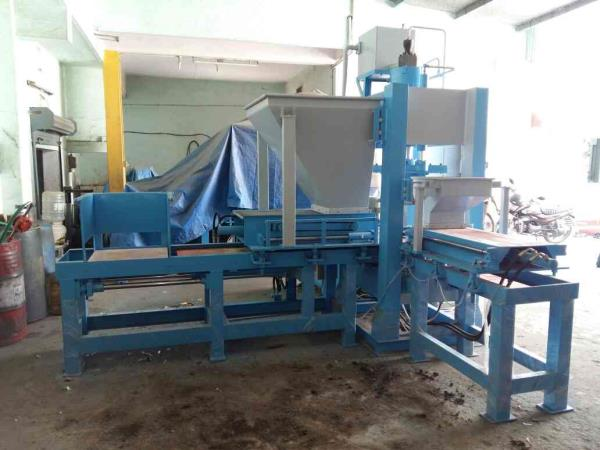 Buy best quality fly ash brick making machine in morbi  - by RACHANA HYDRAULIC AND ENGINEERING, Behind 7 Lati Plot, Moon Nagar Chowk, Morbi