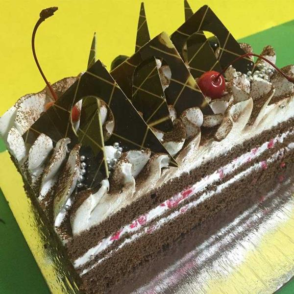 Corporate Chocolates cake online in Moti Bagh Delhi. Online Birthday Cake Moti Bagh Delhi. We also customise moulds appropriate for various industries and interests. there are endless possibilities. We put all the efforts required for your  - by Online Cake 9212320203, New Delhi