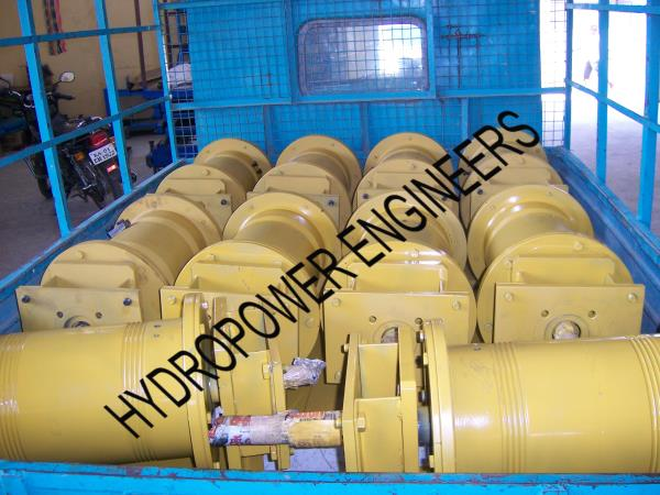 Hydraulic Wiches are made in Hydropower Engineering Systems, Bangalore INDIA for various sizes capacity, and applications. Load lifting, pulling load,  Vehicle Recovery Winches etc. Hydraulic Operated with Layer control and uniform winding. - by Hydropower Engineers, Bengaluru