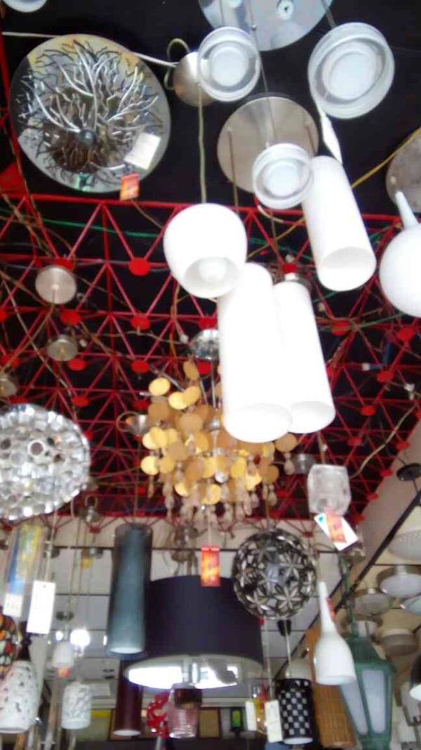 hanging lights available in vadodara. visit vinil light