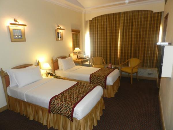 Good deals in Hotels in Nariman Point Mumbaihttps://www.fariyas.com/hotel-in-mumbai/ - by Fariyas Hotel Mumbai, Mumbai