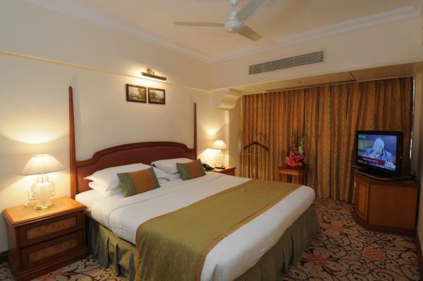 Good deals in Hotels in Marine Lines Mumbai https://www.fariyas.com/hotel-in-mumbai/  - by Fariyas Hotel Mumbai, Mumbai