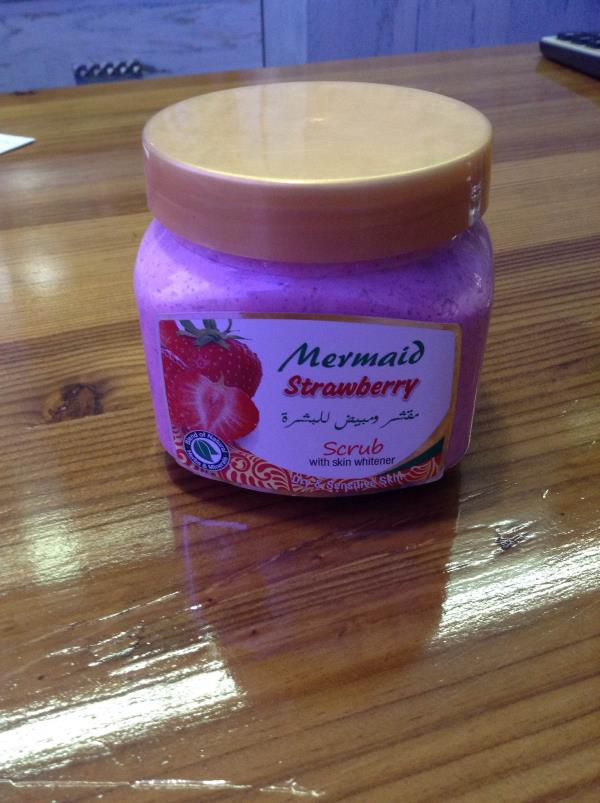 Strawberry whitening scrub Available at JT cosmetic in Vadodara Gujarat at best rates. For more information log on www.jtcc.in - by Jt Cosmetic And Chemicals, Vadodara
