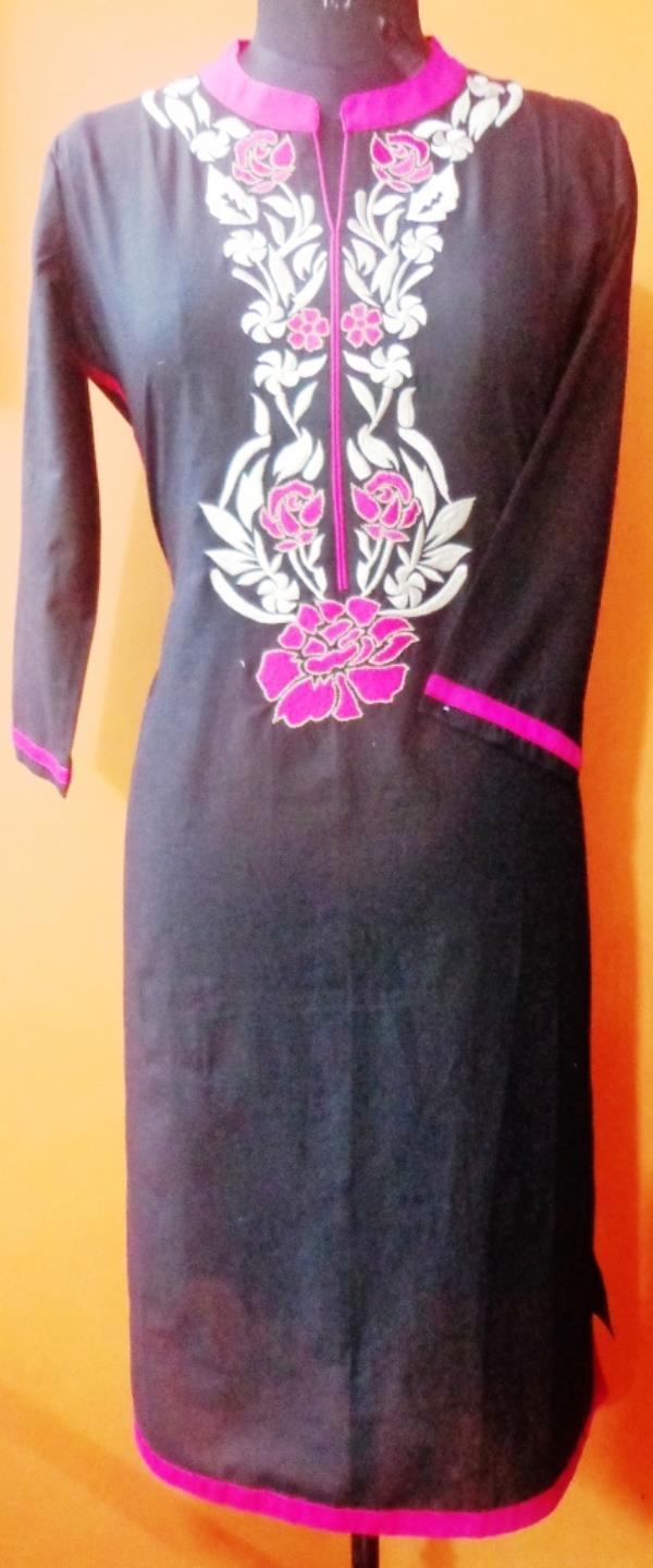this is Embroidery Kurti with black plai dye and rani and beige color. HiLife is specialist Embroidery Kurtis. We have large range of Embroidery Kurti with 100% cotton, fine stitching. we are well-known Ladies Kurtis manufacturer in Jaipur Rajasthan.