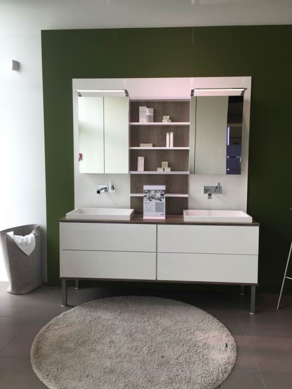 Bath room vanity customisable