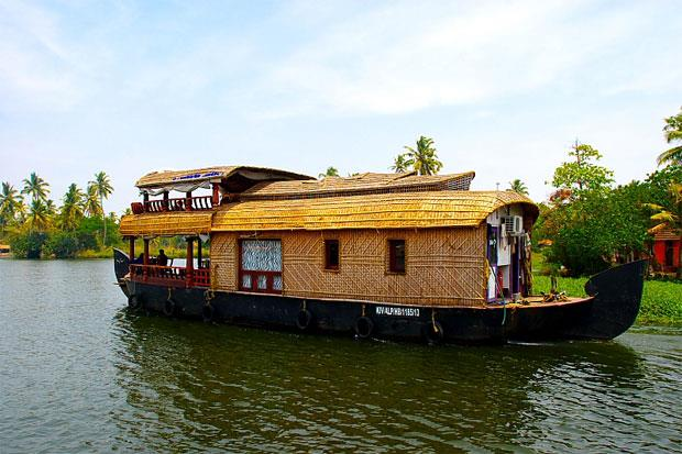 SOUTH ECO TOURISM - SPECIAL OFFER FOR THE MONTH ( GROUPS ONLY)  KERALA TOUR PACKAGE ALLEPPEY ( 3 NIGHTS 4 DAYS )  Tour Details • Standard Package, Transpotaion Non A/c / Accommodation Non A/c • Deluxe Package, Transpotaion A/c / Accommodati - by Tamilnadu Eco Tourism, Madurai