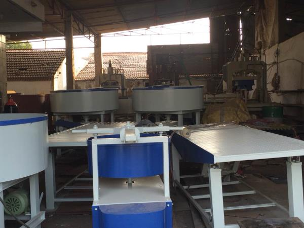 Vibrator table - by Nirbhay Hydraulic & Eng. Works, Gujarat