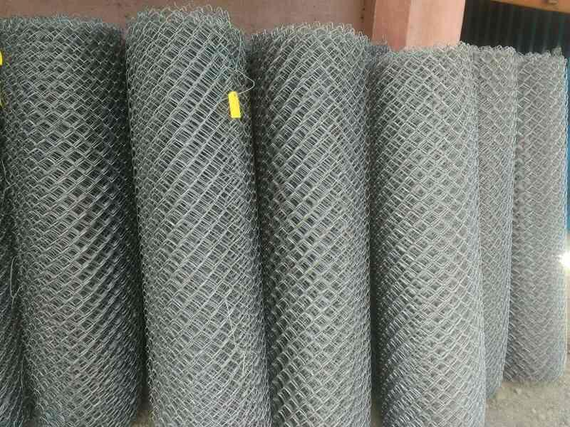 Laktas Wire Mesh pvt Ltd is Chain Link and Fencing Manufacturer In Mumbai.  Chain Link made in Galvanized wire and used for Fencing and Poultry, Goat Farming. Laktas Wire Mesh is Leading Exporter Distributer and Stockist In India.