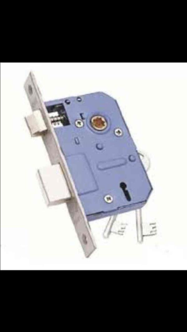 We are the manufacturer of wide range of locks among which is our most selling lock that is 100 mm 6 lever brass Mortice lock.  For more details log on to www.everiteagencies.com   Everite manufacturer of Mortice lock in Delhi