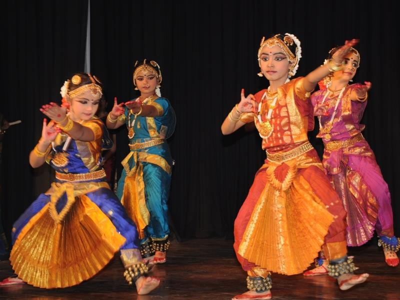Costume designer in Delhi, India bharatanatyam dress designer in Delhi, India kathak dress designer in Delhi, India bharatanatyam dance dress designer in Delhi, India bharatanatyam costume designer in Delhi, India costume designers designer - by Costume Tailor, Delhi