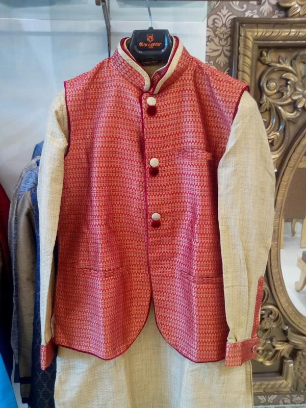 Kurta & Waist coat Available at Manyavar Haldwani.