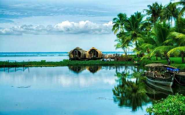KERALA TOURS AND TRAVELS COCHIN    The Tourist destinations in the State of Kerala Tours and Travels Cochin  Orsay Institute performed a kind of package . Take advantage of these offers to your service Priyayamune