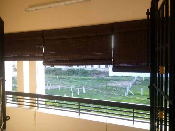 Curtain retailer in Tamilnadu. Blinds & Roller, Vertical, bamboo, Zeebra & Exterior or Balcony PVC blinds supplier in Tamilnadu - by Maya Interior @ 9944015030, Madurai