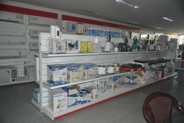 Supermarket manufactures in Chennai.  Don racks is the manufactures of supermarket racks in Chennai.We are engaged in offering quality gamut of Display Racks System. The offered array is glass made and available in many speculations. All these products are developed by our skilled employees, employing latest tools and techniques. Available in customized solutions, these products are offered to the customers on due time period.   For enquiry @ 9380241286