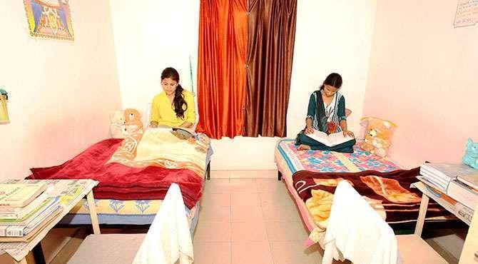 Ladies Hostel in Sholinganallur  Nus provides a respectable living accommodation to working women. Equipped with all facilities, the Ladies Hostel in Sholinganallur gives a feel at home experience.