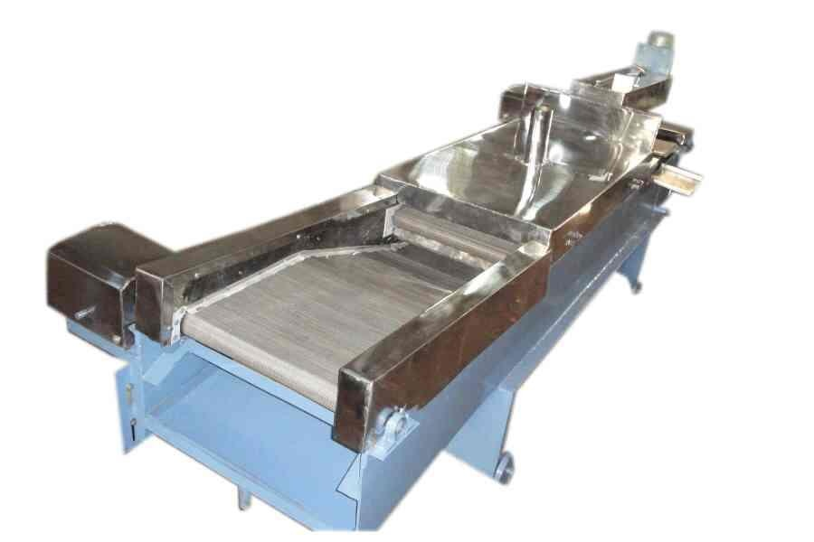 Automatic Namkeen Making Machine. We manufacture Automatic Namkeen Making Machine in different sizes both in stainless steel and mild steel. different screens are also available depending upon the type of namkeen required.