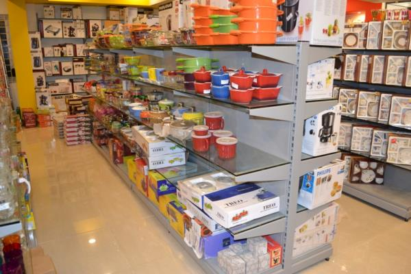 Supermarket Racks Manufacturer in Cochin.  Don racks is known as leading manufacturing company engaged in manufacturing & installing of all types of Display Racks and Shelves like Super Market Racks, Gondola Racks, End Rack, Wall Rack, Cosm - by Supermarket Racks Manufacturer - Donracks     048-44010789, Cochin