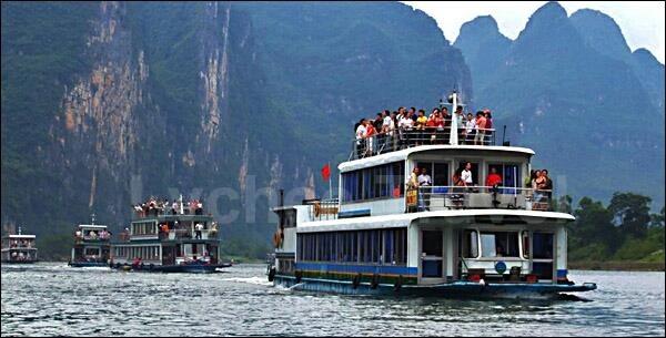 Travel Agent in South Delhi, Delhi.  A Li River cruise from Guilin to Yangshuo is the highlight of any trip to northeastern Guangxi Province, With its breathtaking scenery and taste of a life far removed from the concrete metropolis, the sc - by Karavan Holidays  +919810060052, Delhi