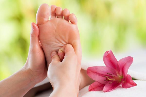 REFLEXOLOGY FOR AFTER THE BIRTH During pregnancy the levels of oestrogen and progesterone rise, smoothing the muscles of the uterus, intestines and veins. After the birth they drop within minutes, and by the second day are very low. Reflexo - by Foot Haven India Pvt Ltd Contact Us: 9952010101, Chennai